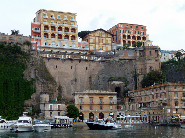 Sorrento Italy Guide - Hotels Tourism Travel ShoppingSorrento Italy ...