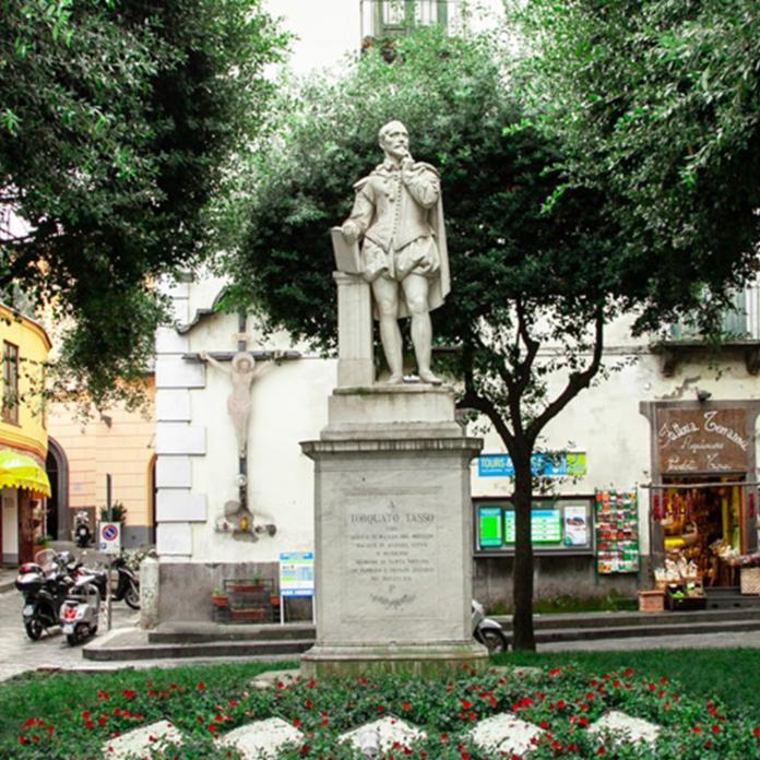 Torquato Tasso statue